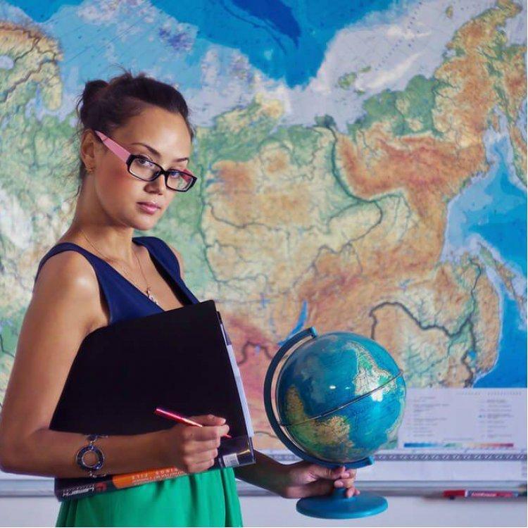 Профессиональная переподготовка и повышение квалификации Педагогическое образование:преподаватель ГЕОГРАФИИ в СПО